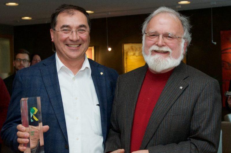 Alain Vanasse reçoit le prix Étienne-Le Bel